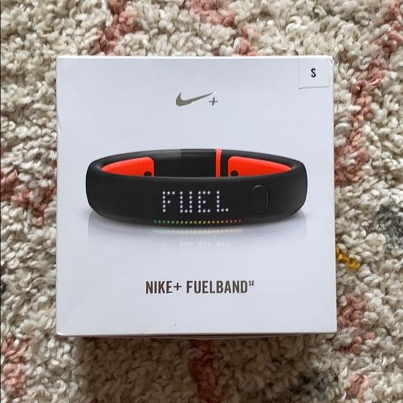 Small Nike Fuel Band - black - NWT